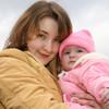 寒い冬に!抱っこ紐での赤ちゃんのお出かけにおすすめの防寒アイテム