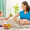 妊婦におすすめの果物は?妊娠中の摂取量の目安と食べ方を解説