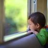 赤ちゃんも一緒に電車のお出かけ。車内で子供と静かに楽しく過ごす方法って?