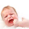 夜泣きとは?赤ちゃんの夜泣きはいつからか、寝言泣きとの違いや年齢別の特徴