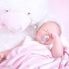 新生児からのおしゃぶり。赤ちゃんの歯並びへの影響は?出っ歯になる?