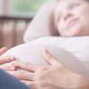 双子の出産は単胎と何が違う?分娩方法、準備や費用について解説