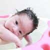 新生児の沐浴とは?時間などのタイミングや沐浴のやり方