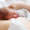 赤ちゃんを添い乳で寝かしつける方法とは?