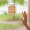 窓をきれいに掃除するコツは?簡単な掃除の仕方とおすすめグッズ