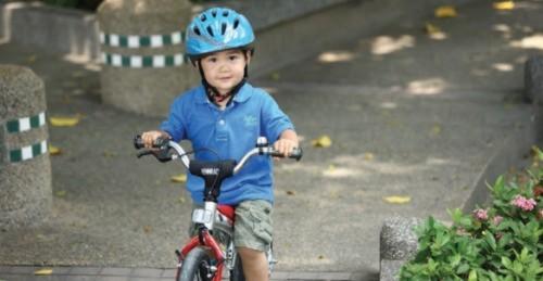 自転車の 子供用 自転車 ヘルメット 選び方 : 自転車の子供用ヘルメットを ...
