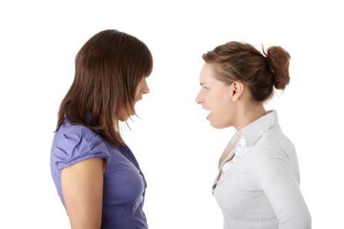 女性同士の対立