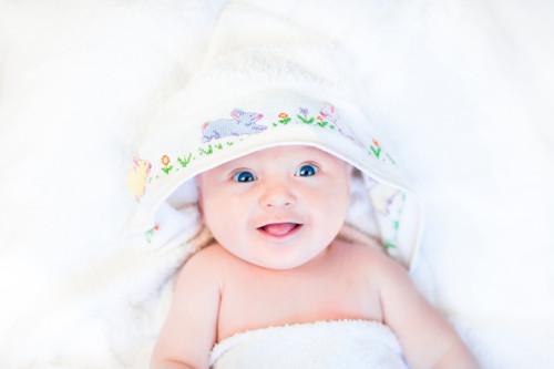 沐浴後の赤ちゃん