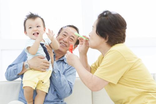 シャボン玉と祖父母