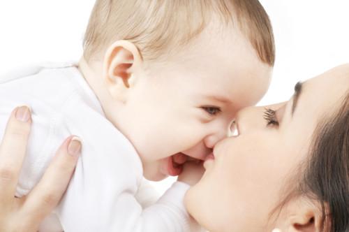 赤ちゃんとキス