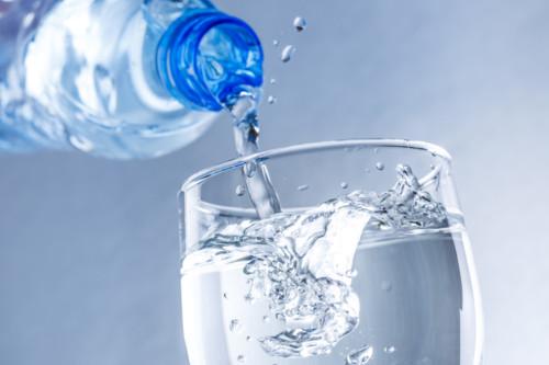 水 グラス ビン