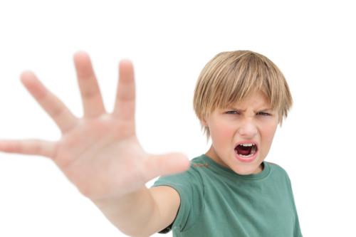 男の子 怒り