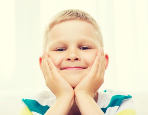 男の子 笑顔