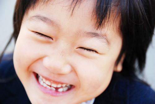 子供 笑顔 日本人