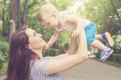 赤ちゃん 公園 遊ぶ