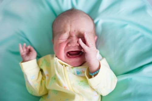 子供 泣き