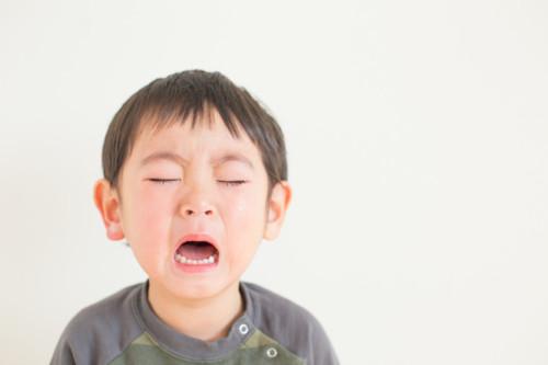 子供 泣く