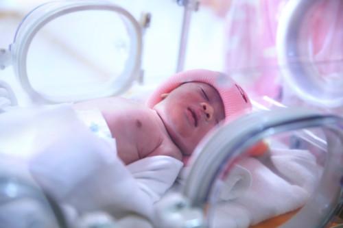 新生児 手