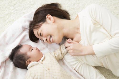 笑顔 お母さん 子供 日本人