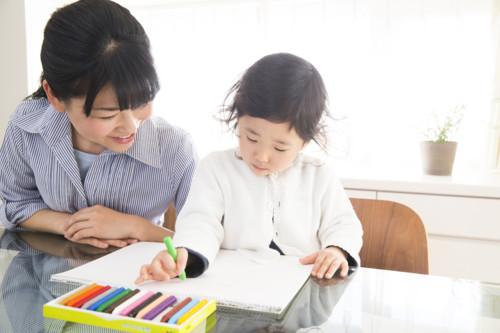 子供 お母さん 日本人