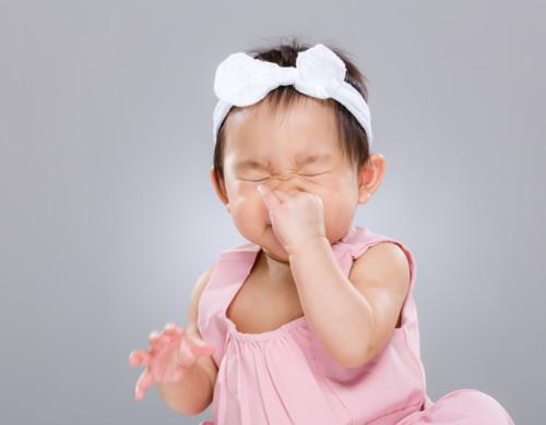 くしゃみ 赤ちゃん
