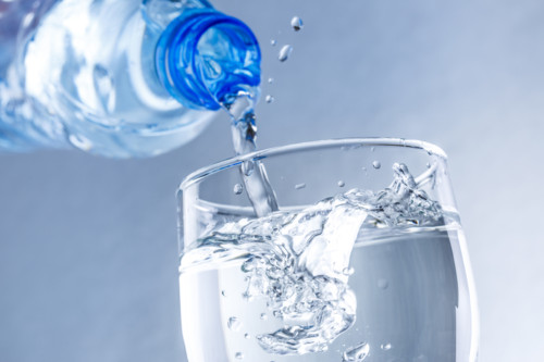 水 ボトル
