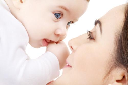 赤ちゃん 目