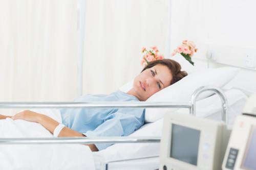 入院をする妊婦さん