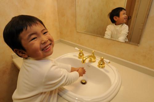 「ママ!!ボク、一人でトイレできたよ!!」