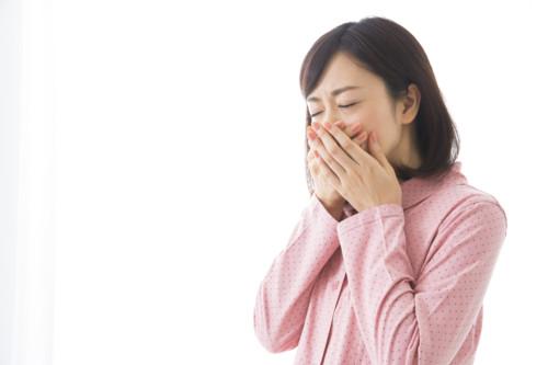 生理前のめまいと伴に起こる、頭痛、動機、吐き気