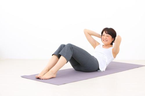 妊娠初期に腹筋を鍛えられる運動と実際に妊娠中に腹筋したママの体験談