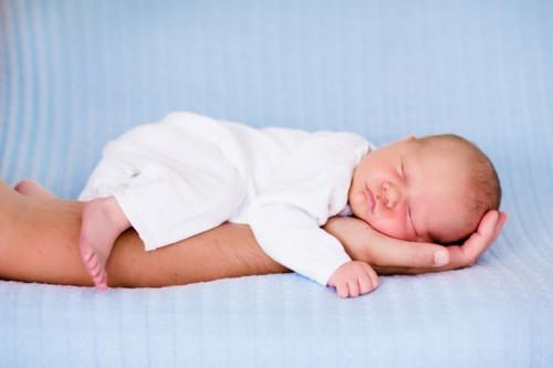 赤ちゃん 寝る ママ