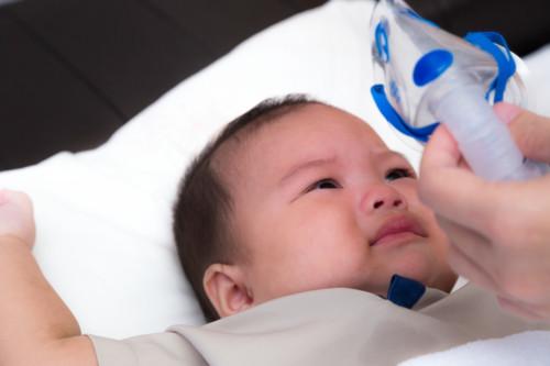 新生児や赤ちゃんがむせることで考えられる病気