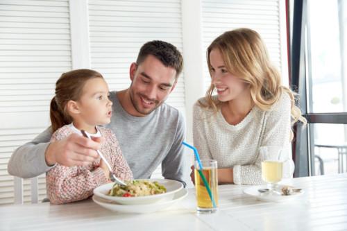 家族でレストラン
