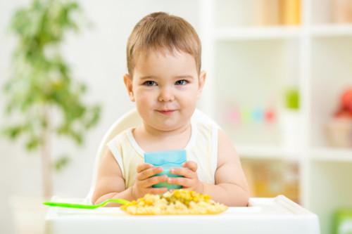 赤ちゃん 食べる