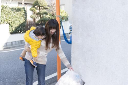 母親 赤ちゃん 家事 日本人