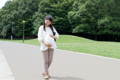 妊娠 歩く