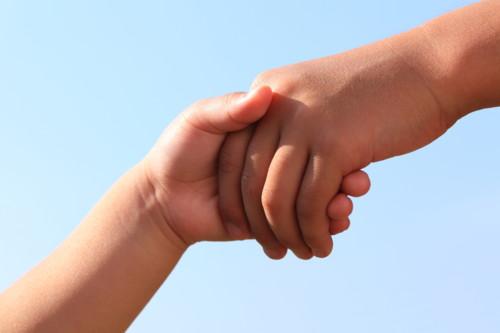子供 握手