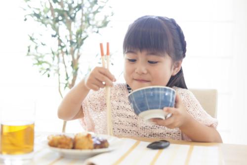 子供 笑顔 食事