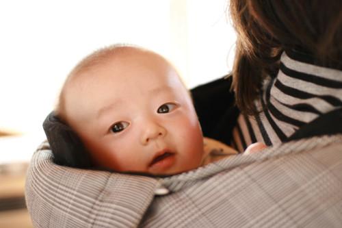 赤ちゃん おんぶ