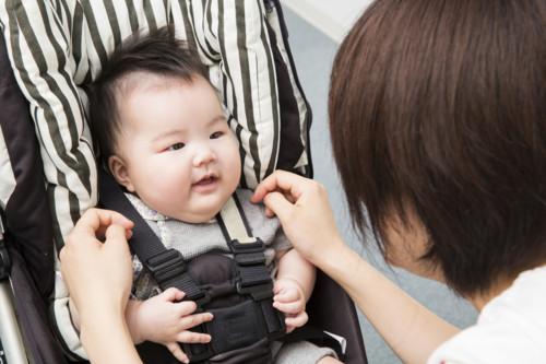 ベビーカー 母親 赤ちゃん