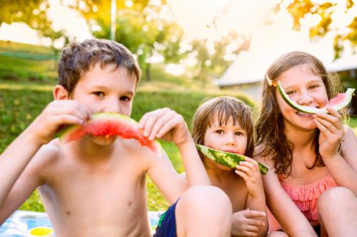 子供 外遊び 夏