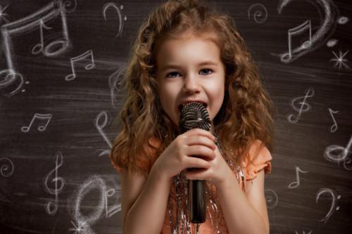 子供 歌う