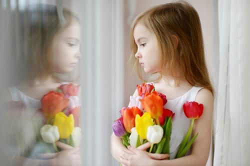 女の子 花