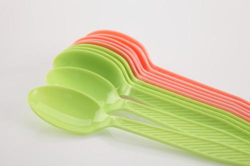 プラスチック スプーン