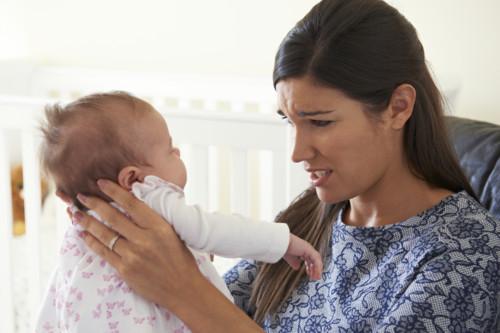 新生児 泣く