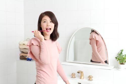歯磨き 女性