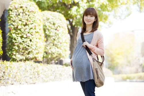 歩く 妊婦