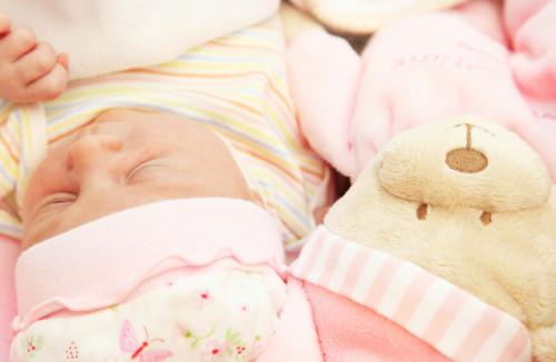 新生児 ピンク