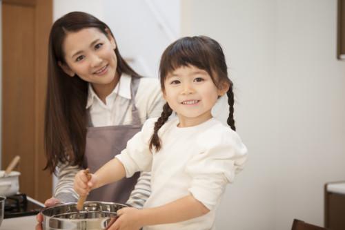 女性 料理 日本人